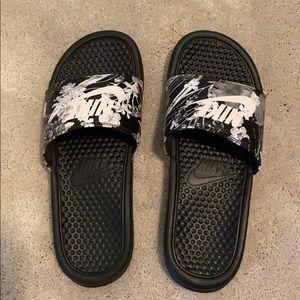 Nike Printed Slides size 8 worn once like new